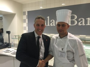 Ian Paisley with Khayber Restaurant chef Jayenbra Kaintura at the Tiffin Cup final in London
